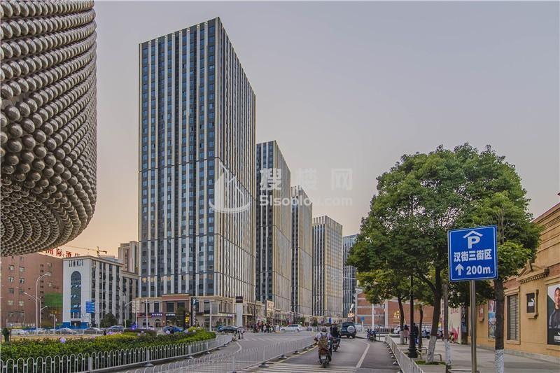 汉街万达环球国际中心